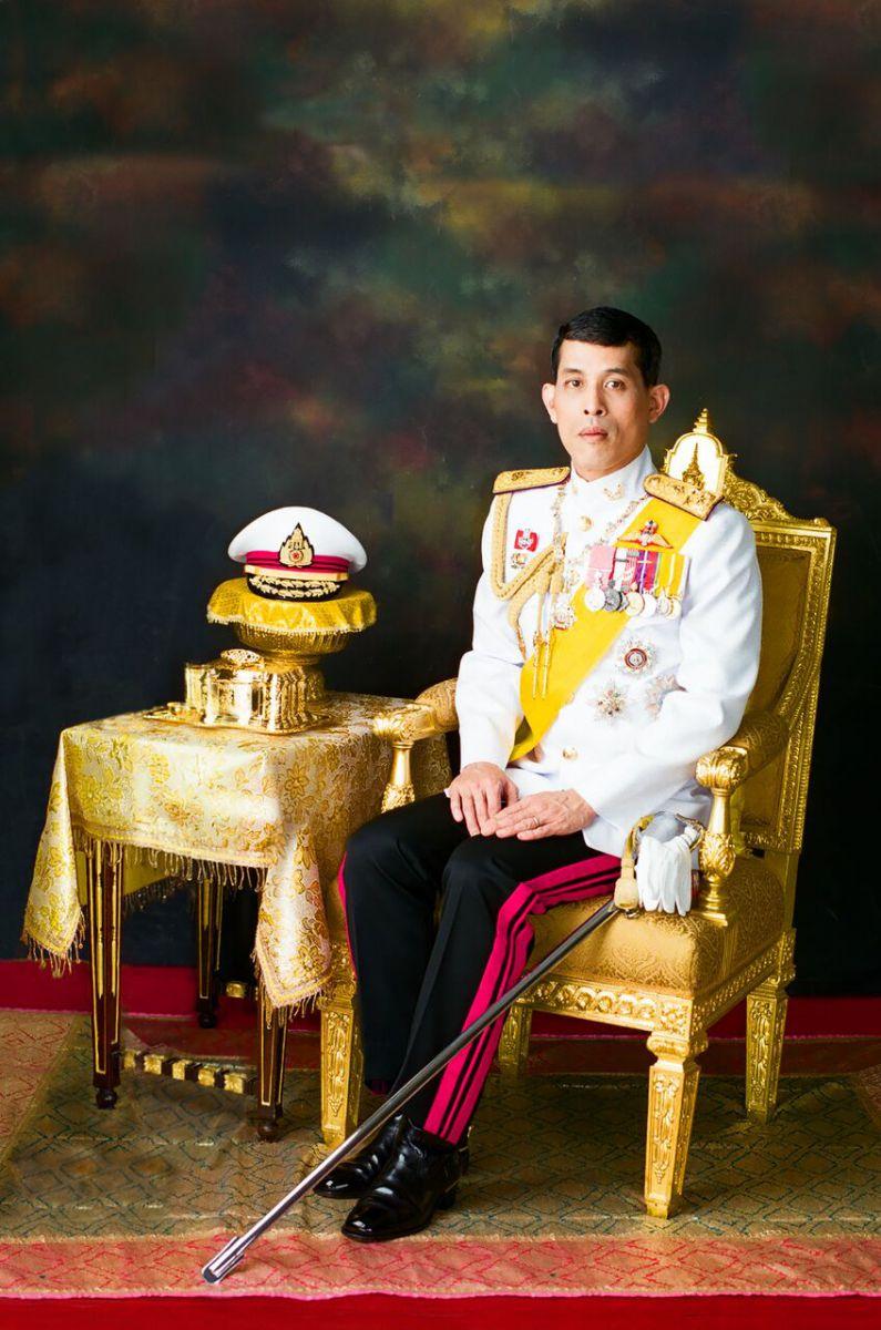พระบรมฉายาลักษณ์พระบาทสมเด็จพระเจ้าอยู่หัว   พระราชพิธีบรมราชาภิเษก